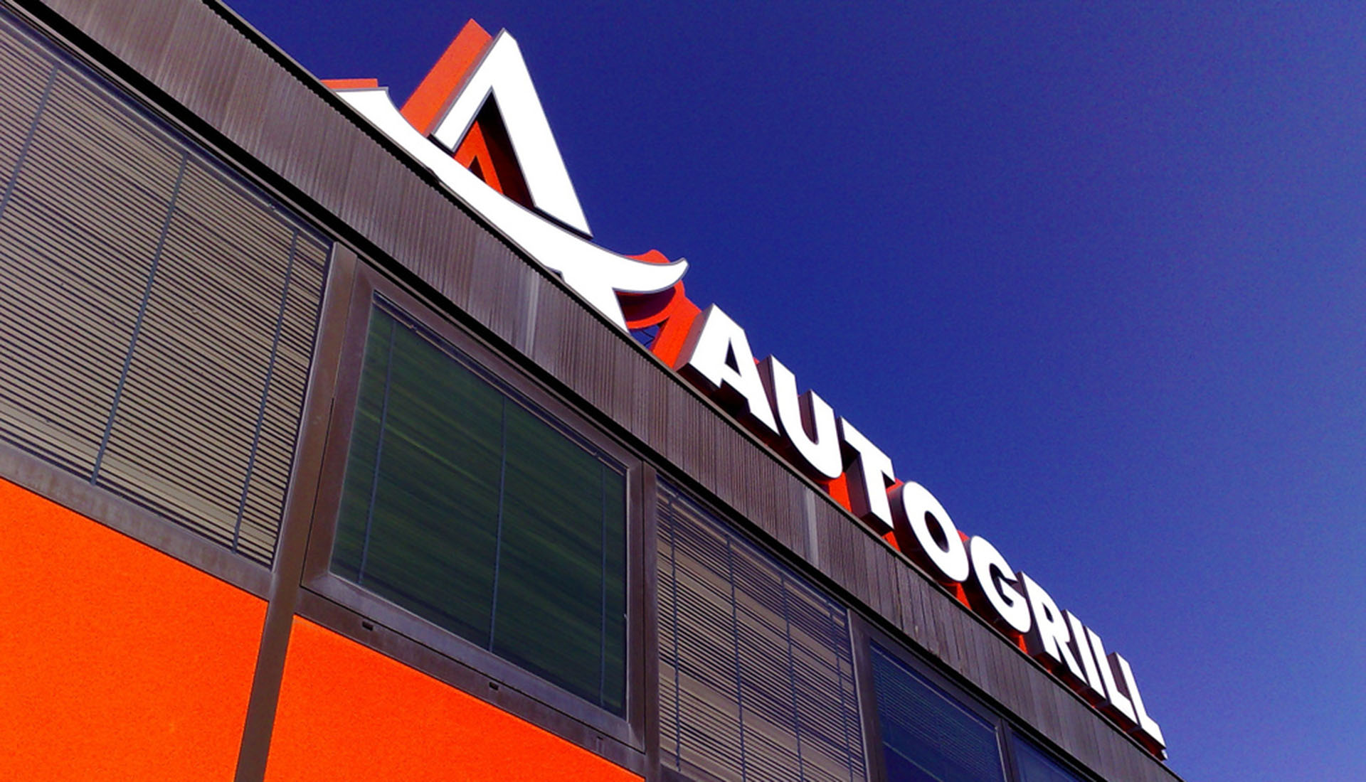 Main Home Slide 12 – AUTOGRILL