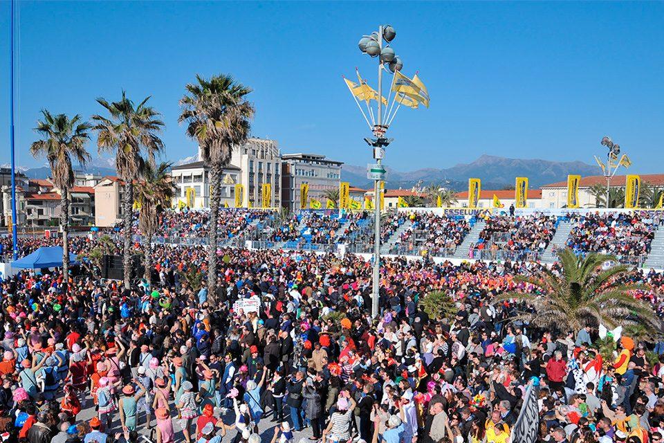 Carnevale-di-Viareggio-2017_europemedia_2-1-960×640