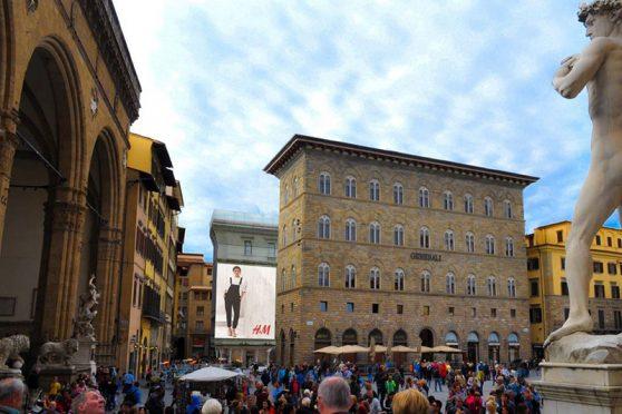 maxi_affissioni_firenze_piazza_signoria_europemedia