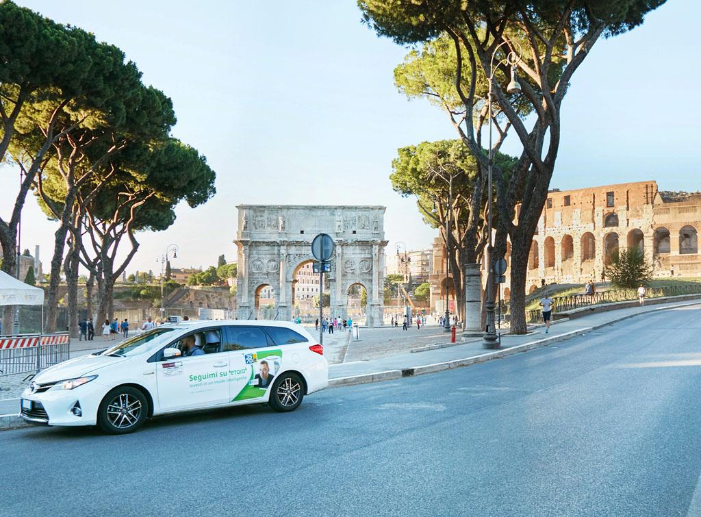 europemedia_brandizzazione_taxi_roma_per_etoro_1_web