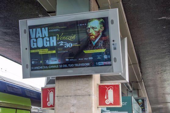 europemedia_pubblicita_in_stazione_satan_lucia_venezia_mostra_van_gogh_0a