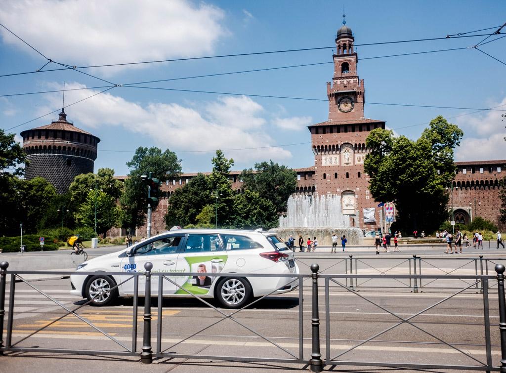 europemedia_pubblicita_sui_taxi_milano_3