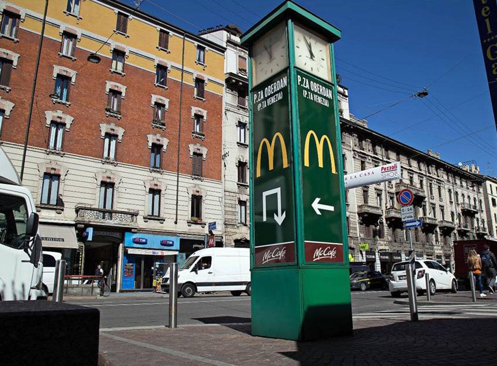 Europe Media Pubblicità arredo Urbano Orologi