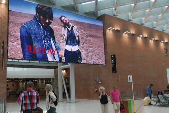 Europe Media Pubblicità negli Aeroporti Impianti Domination
