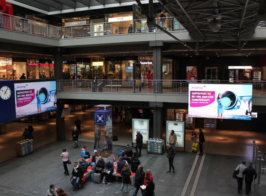 Europe Media Impianti Pubblicitari Stazione Ferroviaria Berna Svizzera