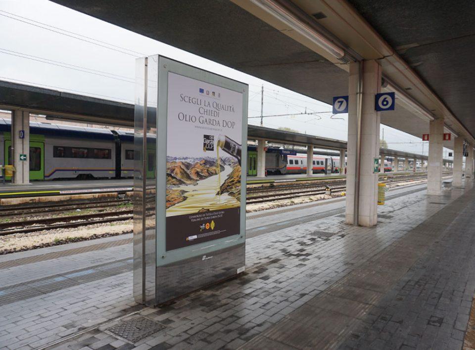 Europe Media Impianti Pubblicitari Scroller Mupi Stazione Venezia