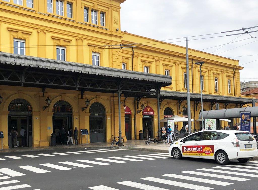 Europe Media Pubblicità livrea taxi per Cepu