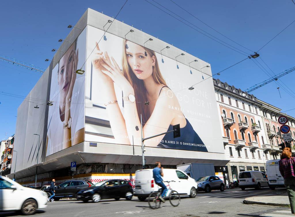 Europe Meda Impianti Pubblicitari Maxi Affissioni Milano per Daniel Wellington