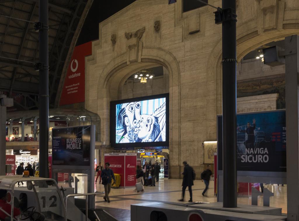 Europe Media impianti pubblicitari nelle grandi stazioni ferroviarie Milano