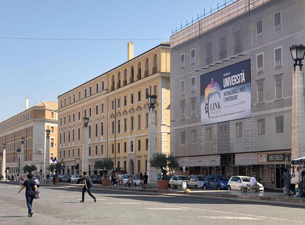 europemedia_impianti_pubblicitari_maxi_affissioni_grandi_scuole_1