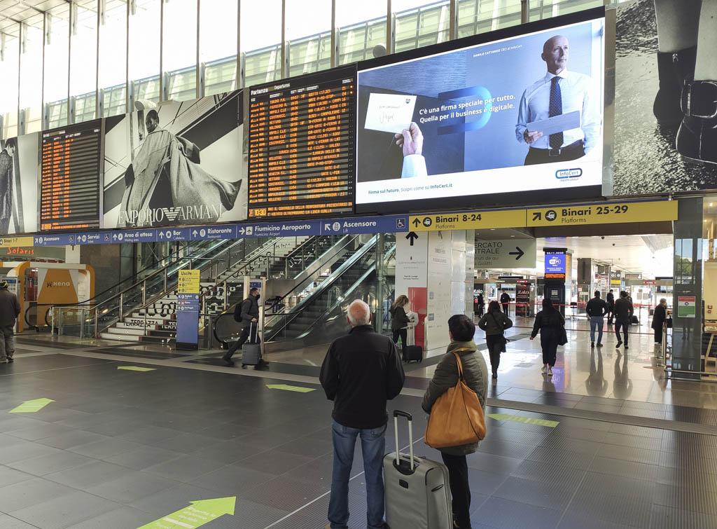 Europe Media Impianti pubblicitari maxi led stazione ferroviaria Roma Termini
