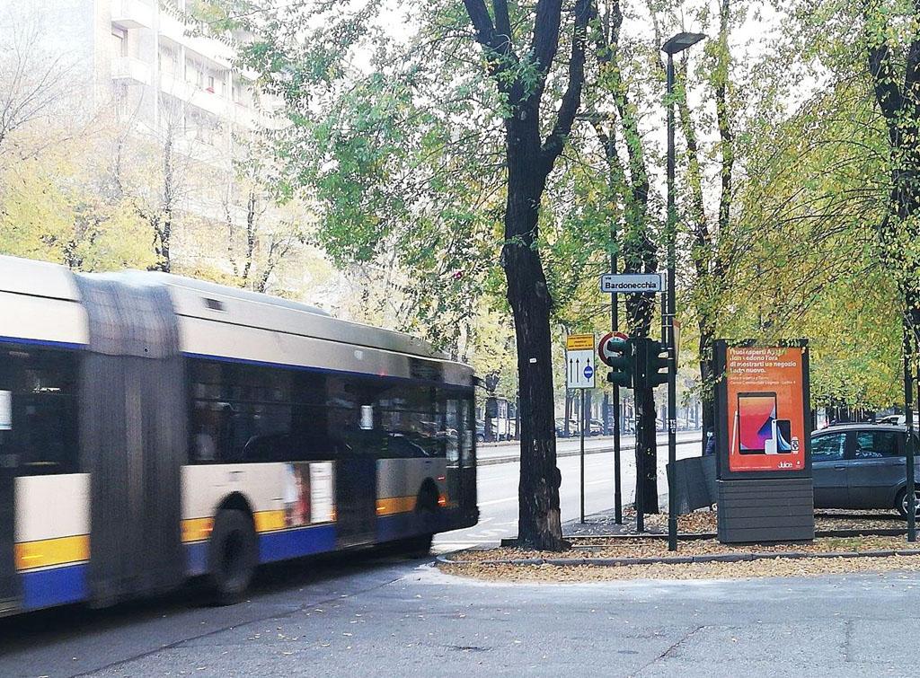 Europe Media Impianti Pubblicitari FSU Lux Torino per Juice