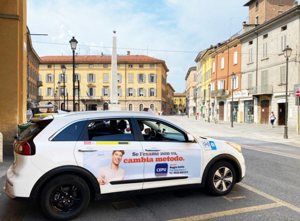 Europe Media pubblicità sui taxi fiancate e lunotto