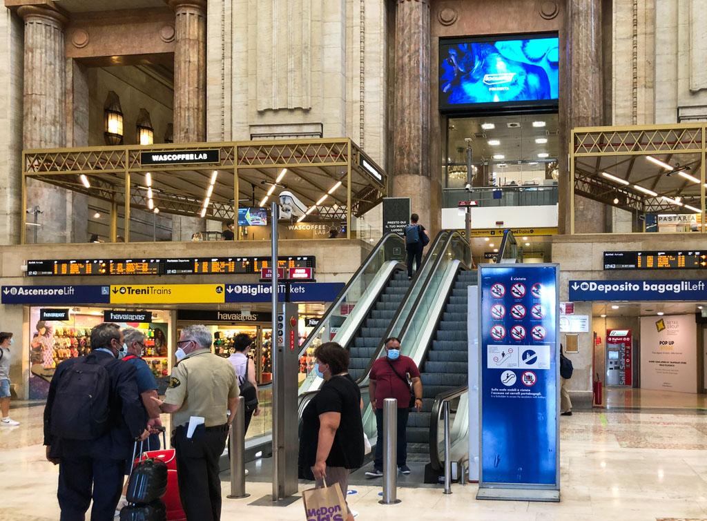 Europe Media Impianti Pubblicitari Maxi Led Stazione Milano Centrale